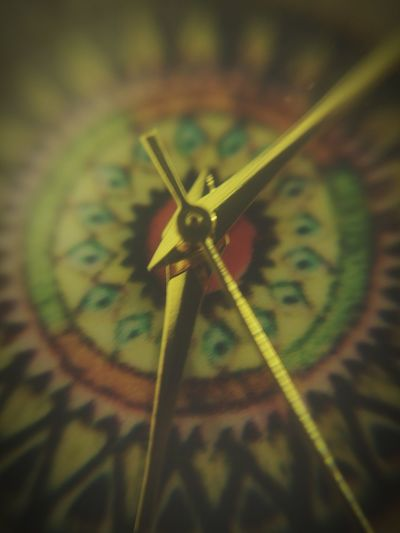 Close-up Clock Time Watch Watch Face Tick Tock Macro Macro Photography Zoom Ticker Colors Vintage