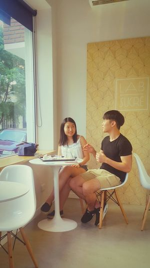 People Breakfast Coffee Time Cofee Coffe Bakery Cafe Confiteria Bakeryhouse Peoplephotography People Photography People Of EyeEm Bar Relaxing Time Couple Couple Portrait Possing Design Design Interior Having A Break Chinese Women Chinese Woman Chinese Man Chinese Couple Chinese Chinese People