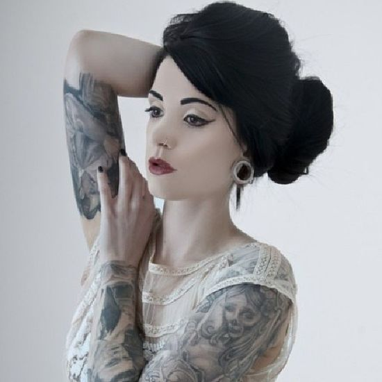 Whoever she is, she's beautiful at best. Pinup Girlswithpiercings Girlswithtattoos Girlswithplugs plugs stretchedears tattoos beautiful beauty