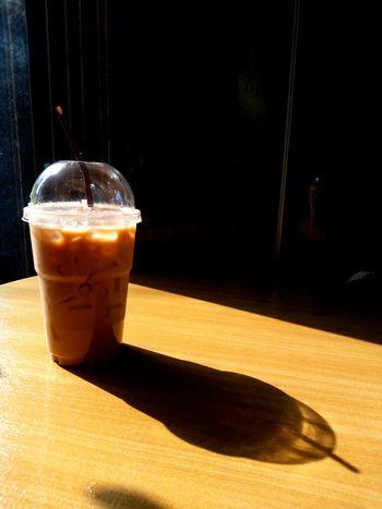 sunlight🌞 or coffee🍻? Joon's Photos Thailand Enjoying Life Sunlight Lifestyle Happyday Wiko Wikofever Coffee Ubon Ratchathani DripCoffee Day