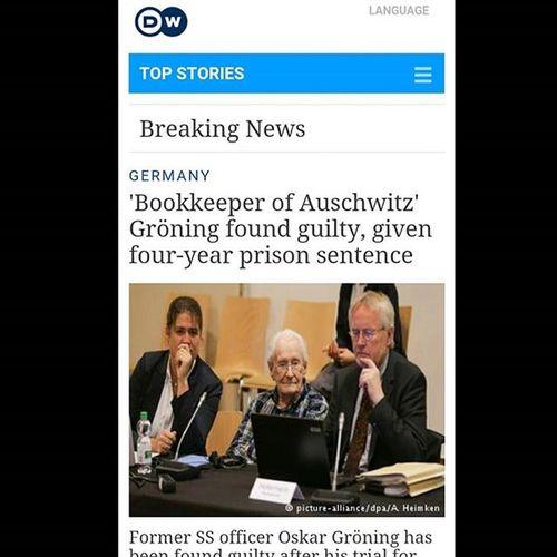 . . . حسابدار ۹۶ ساله آشویتس بدلیل ۲ ماه کار به 4 سال زندان محکوم شد . . . پی نوشت ۱ : اگر روال دادگاههای آشویتش را در سالهای اخیر دنبال کنید در خواهید یافت که خود خبر محاکمات اصلا برای آقایان غربی اهمیت ندارد بلکه یکی دو صفحه توضیحات در باب هولوکاست و ماجراهای آن که در ادامه هر خبر منتشر می شود است که آنها را علاقمند به ادامه ماجرای خبرسازی می کند زیرا از دید آنها نتیجه اش زنده نگهداشتن افسانه هولوکاست در افکار عمومی است . پی نوشت ۲: احتمالا در سالهای آینده و با مرگ تمام مظنونین و متهمان به مشارکت در هولوکاست باید منتظر نبش قبر آنها و محاکمه نمادینشان در دادگاههای اروپا باشیم . پی نوشت ۳: متاسفانه هیولای جنگ همیشه انسانهای بیگناه فراوانی را قربانی خود و زیادخواهی های قدرت طلبان عالم می کند اما چه خوب است آقایان مدافع حقوق_بشر همان توجهی را که به هولوکاست دارند به ماجرای یمن ، غزه ، بوسنی و ... هزارن جای دیگر داشته باشند . . . Dw دویچه_وله