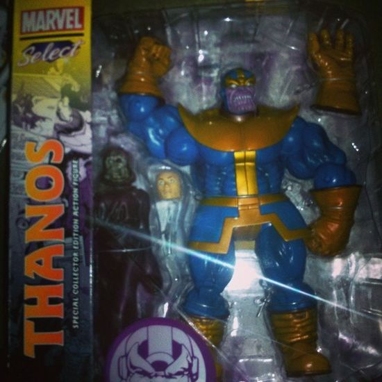 omg im so happy my package finally came!! it looks amazing!! Marvelselect Thanos Infinitewar Ladydeath Themadtitan Marvel Marvelcomics Villians Figurecollecting Figures Firstmarvelselect Geekingout
