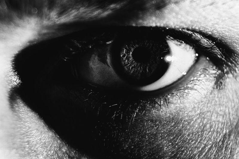 EyeEm Nature Lover EyeEm Best Shots EyeEm Gallery EyeEm Selects One Person Close-up Human Body Part Real People Eyelash Eye Body Part Front View Human Eye Indoors  Portrait Human Face Looking At Camera Skin Human Skin Sensory Perception Eyesight Lifestyles Eyeball