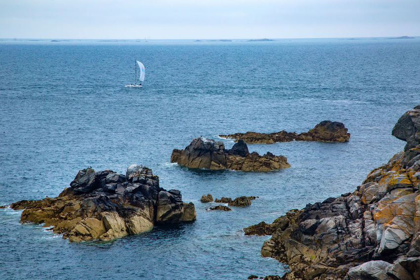 English Channel Eperquerie Isle Of Sark Rock Formation Boat Horizon Over Water Island Landscape Rock - Object Sark Sea Water