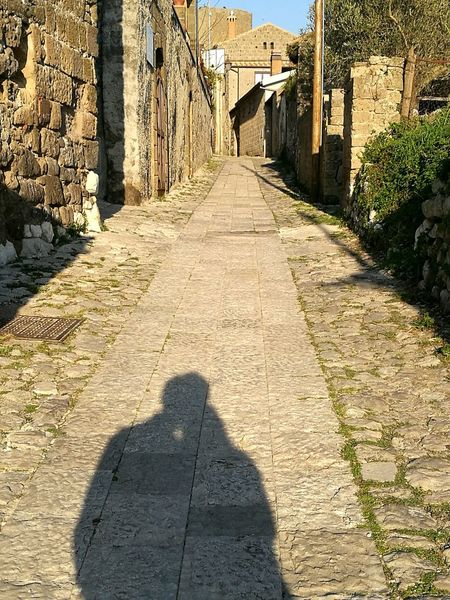 Couple Shadow Sunlight Day Architecture Building Exterior The Way Forward Italy Casertavecchia Love People Prospective EyEmNewHere Old Town Way Stories From The City