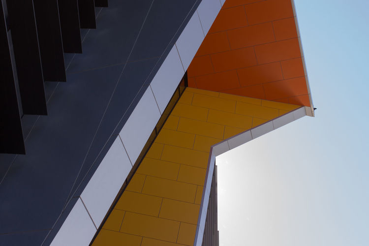 Architecture LINE Lines Lines And Angles Orange Shape Architecture Building Building Exterior Built Structure City Geometry Geometry Everywhere Geometry Pattern Geometry Shapes Geometryporn Lines And Shapes Modern No People Outdoor Photography Sky