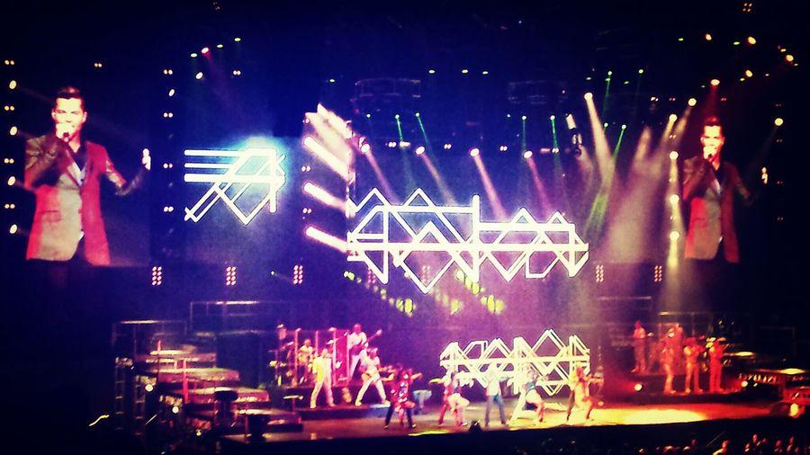 Ricky Martin  Amazing Concert Taking Photos