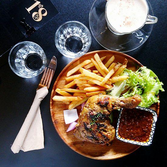 🍽好好吃 French Fries Food And Drink Unhealthy Eating Black Background Ready-to-eat Yummy Food With My Boyfriend❤ Love Him Photographic Memory In This Moment Photography Enjoy Eating Lunchtime Enjoy Moment Food Stories