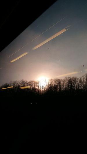Окно в поезде. поезд окно Закат Sanset Window Sky Travel Train Sanset Sunset No People Agriculture Sky Outdoors Flying Night Nature