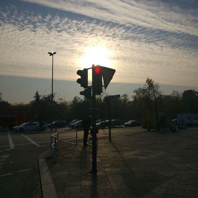 Road Sign Illuminated Stoplight Sunset Red Light Sky Cloud - Sky Signal Road Signal Traffic Light