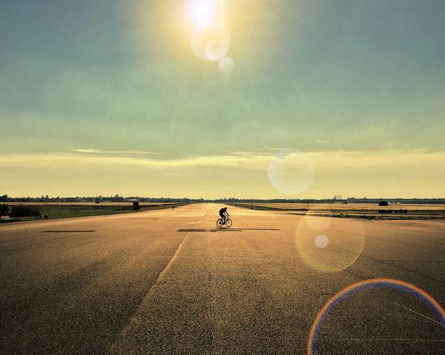 Airfield Berlin Tempelhofer Feld Sunlight Gegenlicht Backlight Bike IPhoneography