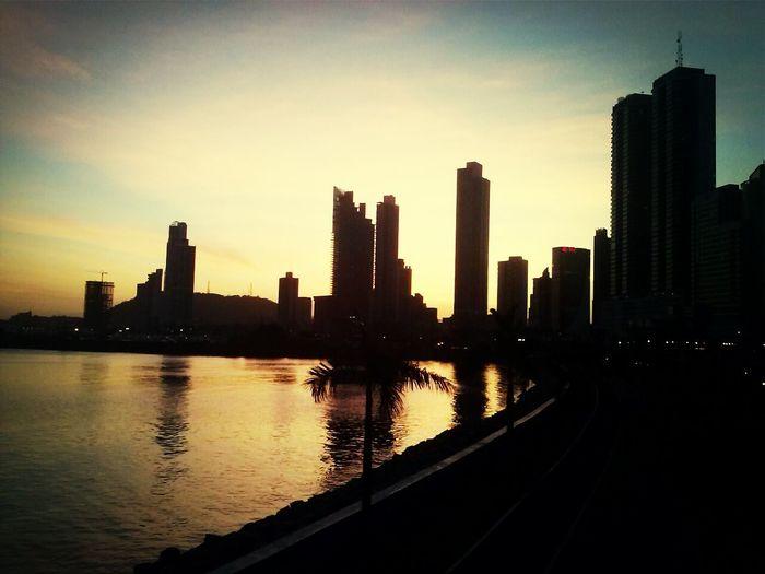 un atardecer pty By Pit O. Relaxing Cintacostera3 Atardecer Cielo Panama City Skyscrapers My Art Bahía De Panamá