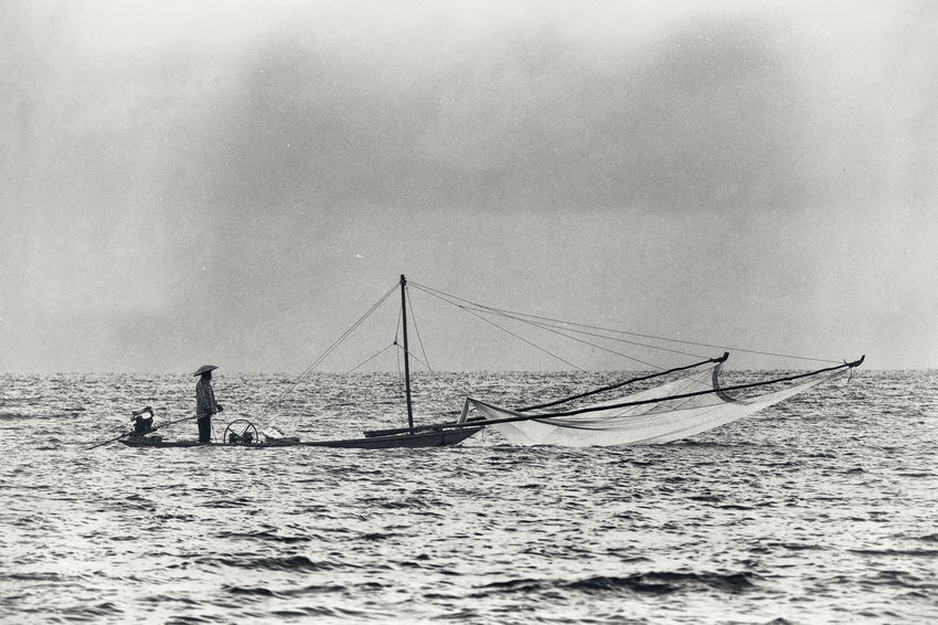 The legend fishing man Adventure Alone B&w Blackandwhite Boat Dust Fishing Man Journey Life Old Outdoors Sea Vintage Style Waves, Ocean, Nature