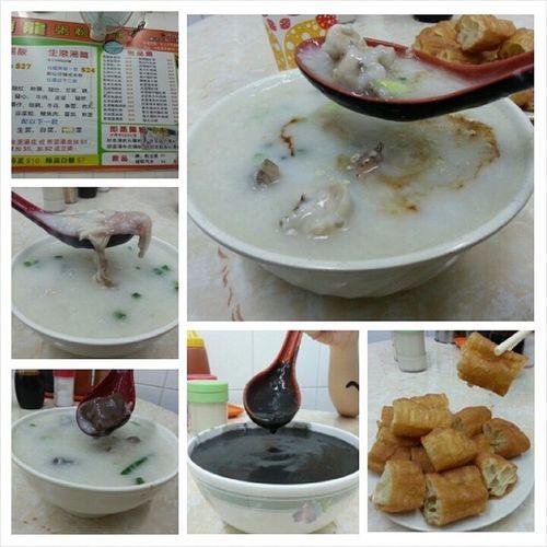 Breakfast at nearby shop. Cheap and tasty! Especially the you tiao dayummm Day04 Breakfast YumYum Familyvacation2014 hongkong2014 hehehe porridge cheap youtiao zhimahu