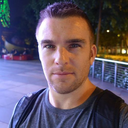 Hot and humid this evening Selfie Man Scruff Beard Me Frecklesfordays Happy Takingphotos Sonyrx100iv Freckles Ionorchard Ion OrchardRoad Nofilter