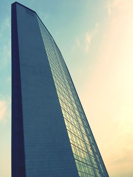 Skyscraper Sky Sky And Clouds Clouds And Sky Cloud Clouds Building Architecture Milano Milan Italy Italia
