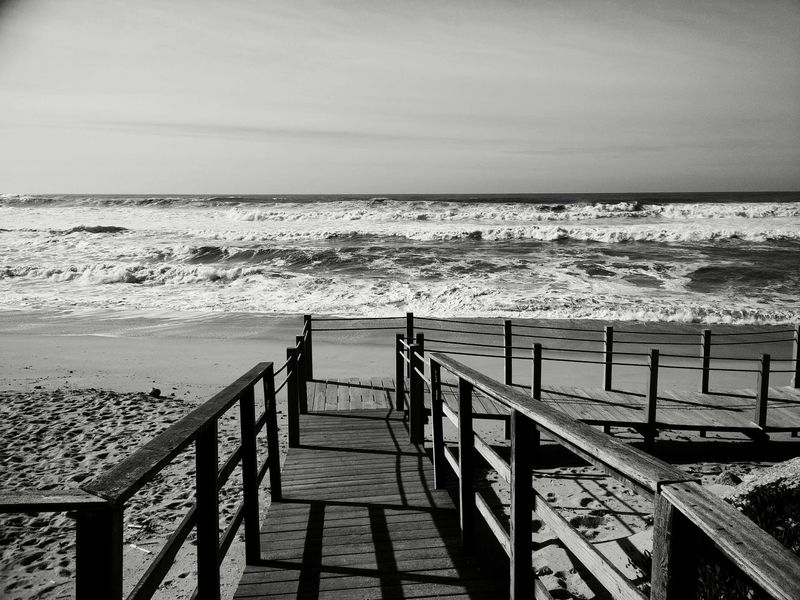 Sea Railing Water Nature Outdoors Beauty In Nature Day Horizon Over Water Tranquil Scene Sky Scenics Beach No People Staircase Wave Blackandwhite Bw_collection BW Collection Black & White Black And White Photography OnePlusOne📱 Onepluslife Oneplusonephotography Portugal