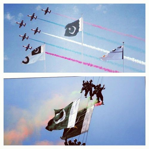 After 7 Years finally 😀😎👍 And those Vertical Flips 👍 23_March Pakistan_Day Pakistan_Resolution Pakistan Islamabad Airforce JF17_Thunder Parade Sky F16 Fighter_Plane Vertical_Flip Stunt Jump Parachute Flag Holiday 2015  Salute Capital_City