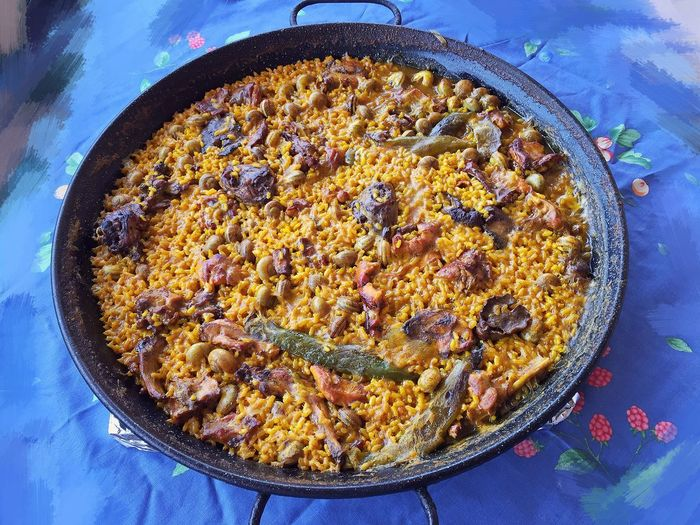 Food And Drink Food Cake No People Sweet Food Fruitcake Freshness Indoors  Healthy Eating Ready-to-eat Close-up Baking Pan Day Casserole Paella De Conejo Y Caracoles Paella A La Leña Spanish Food