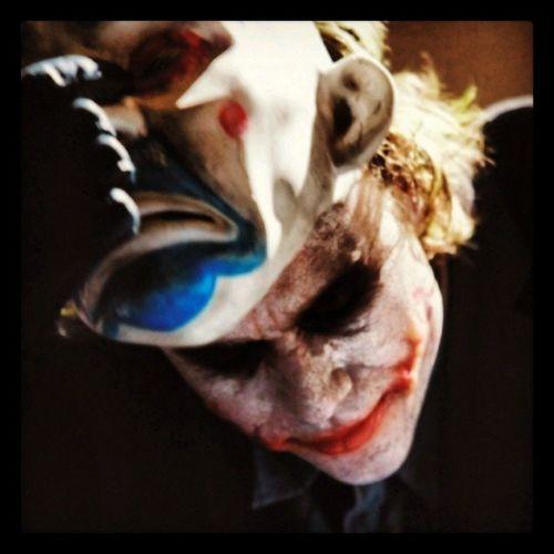 The Joker. Joker Thejoker Heathledger Batman Thedarkknight Thedarkknightrises Joke Badjoke Vilain Bestacting Oscar Bestactor Bestpic Instafollow Instafollowback Like4like Like4follow Iphonesia Clown Picoftheday Photooftheday Instadaily