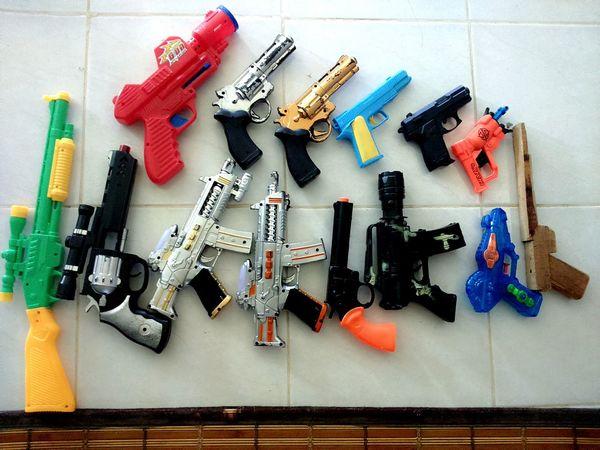 Little brother's Toys Guns Pistol Riffle Childplay Kid