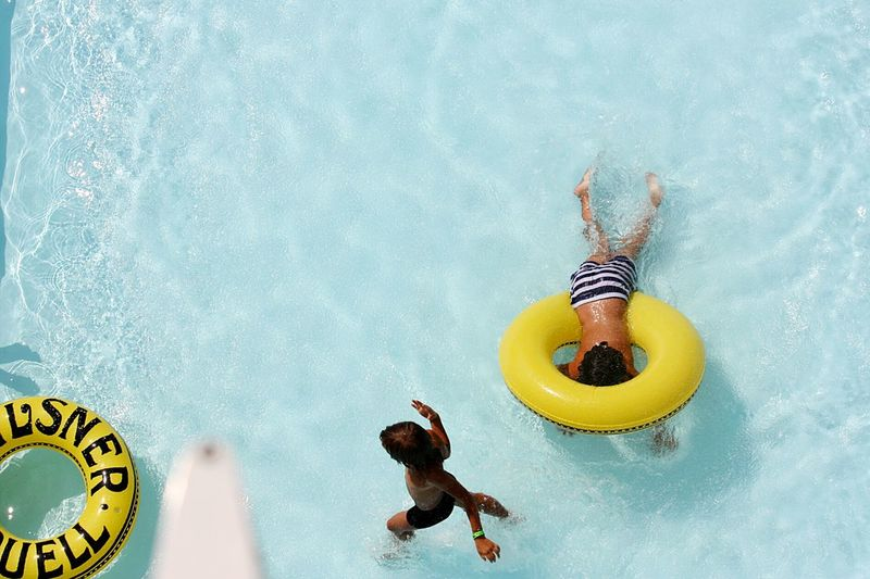 Sommergefühle Underwater Water Swimming Pool People Swimming Day Outdoors Children Only Mix Yourself A Good Time Paint The Town Yellow