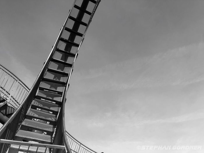 Low Angle View Built Structure Sky Architecture Cloud - Sky Arts Culture And Entertainment 17.62° Travel Destinations Metal No People Outdoors