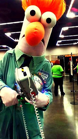Hanging Out Taking Photos Check This Out Whats His Name? Imagine Silly Comiccon Portland Oregon 2016😍 Muppet Hello World Enjoying Life Hello World Wierdoozzz❤ Beepbeep Keeping Portland Weird Beaker Beeper Happy People Funny Faces Silly Face Meme Disney Character Meep Meep