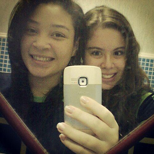 - Eu e a liinda da @brunasampaio16 !! Sono Banheiro Escola  Gatchenhas '