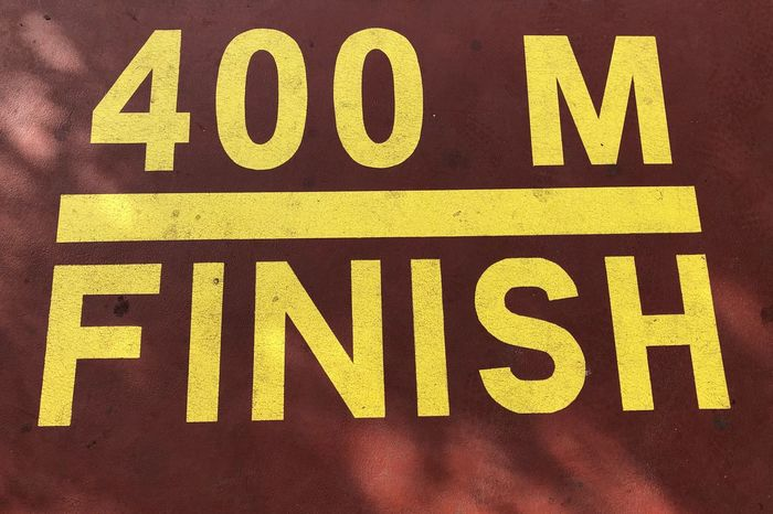 Red Sports Running Finish 400 Running Track Fußweg Sign Text Yellow Communication No People Outdoors Day Close-up