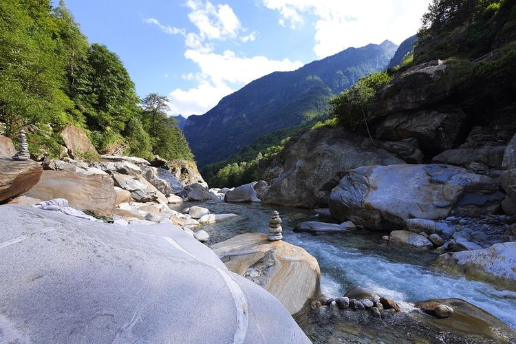 Riverbank Riverside Landscape Nature From Where I Stand Rocks Exceptional Photographs EyeEmSwiss EyeEm Best Shots Switzerland EyeEm Gallery Verzasca Valley Ticino Tessin Valle Verzasca Naturelovers Steinmännchen From My Point Of View Stones Hidden Gems  Colour Of Life