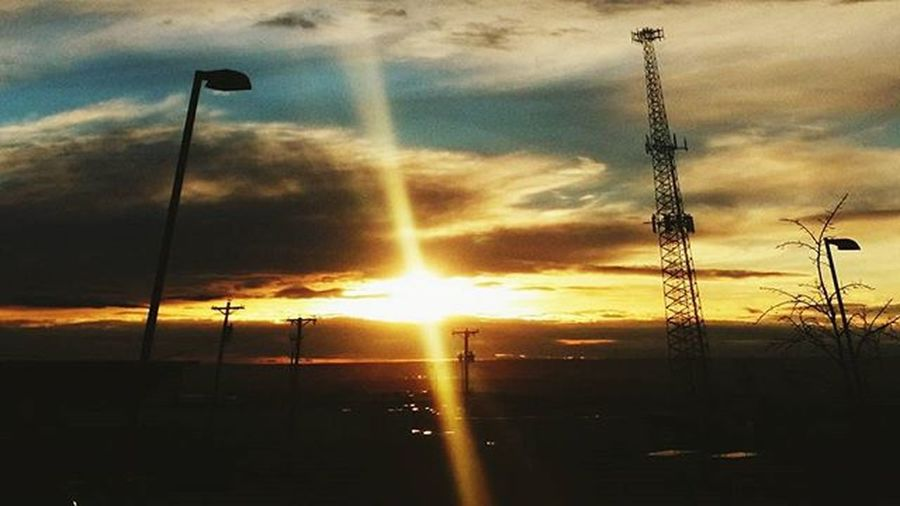 Day 12: Sunset: Gorgeous NM sunset! I don't usually like objects in my photos, especially if I'm capturing a beautiful image! PhotoADay January2016 Notelll Bbehrfotos2016 Passionforfotos ILovePictures Sunset Nm Landofentrapment Goregous GodIsGood Blessings Sunburst Raysofsun Sky Clouds