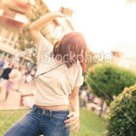 @hoaru @bicidacorsapaulsmith2manydjsvans Photographer Istockphoto Me model summershootingdancehavefunmusicfreedomfeelgoodgreatday