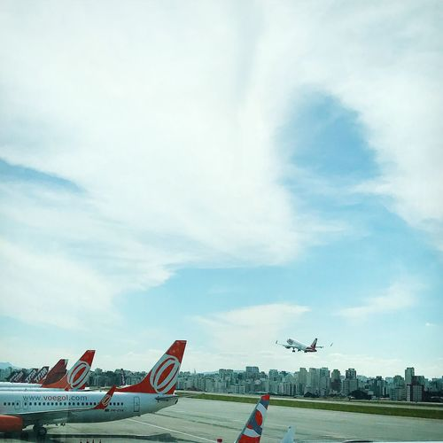Positive rate of climb Congonhas Gol Airlines TAM Airplane Sky Air Vehicle Day Cloud - Sky Airport Architecture Flying Airport Runway Runway