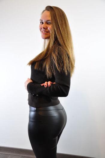 Black Clothes Girl In Black Dress Long Hair Model Portrait Portrait Of A Woman Smile Smiling Young Woman Young Woman Smiling
