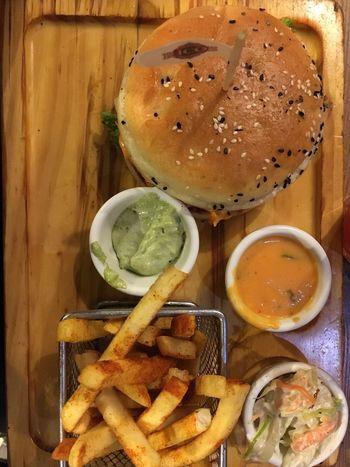 Beautifully Organized Food Burger Time Burgers & Fries Foodphotography Foodporn