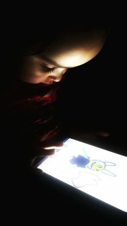 My baby girl's an artist too. Child Drawing Kid Drawing Girl Drawing Baby Drawing Drawing On Tablet Tablet Drawing Coloring Art Making Art Child Baby Girl Dark Darkness Glow Screen Glowing Screen Shadow And Light Bright Light Ipad Picture Making A Picture Drawing A Picture Painting A Picture Drawing App