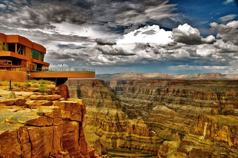 Cloud - Sky Architecture Built Structure skywalk Building Exterior Outdoors Travel Destinations Sky No People Travel Photography Iconic Landmark Grandcanyonwest Landscape Day Nature Beauty In Nature