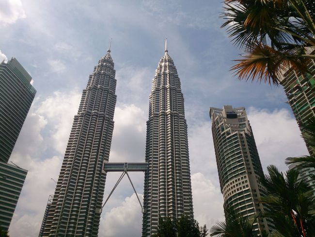 Modern High Angle View ASIA Celebration KLCC❤❤ KLCCTwinTower Malaysia Truly Asia Kuala Lumpur Nature Day Sky Downtown District Vacations Palm Tree Outdoors Travel Architecture Cityscape Growth Urban Skyline Tree Travel Destinations Landscape Skyscraper City