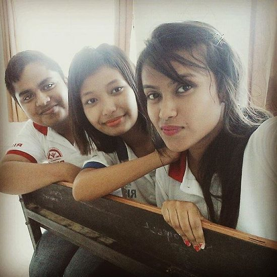 Bestfriends Moments Faces Of EyeEm Assam Innocence Of Youth Amateur Photography Hanging Out Happy Friends Selfie ✌