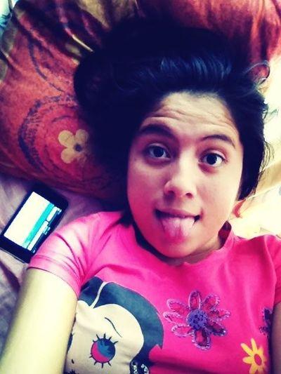 Aqui Con Mi Ipad Y Ipod <3