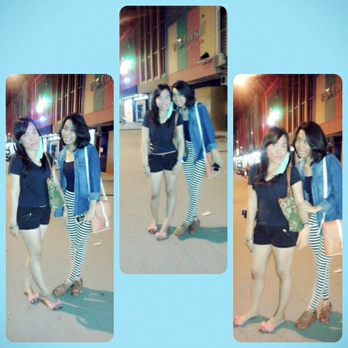 sing a song with mw besties @goemanink Bestfriends Sweet Moments So Funny..:) Hanging Out #thatsme #havefun