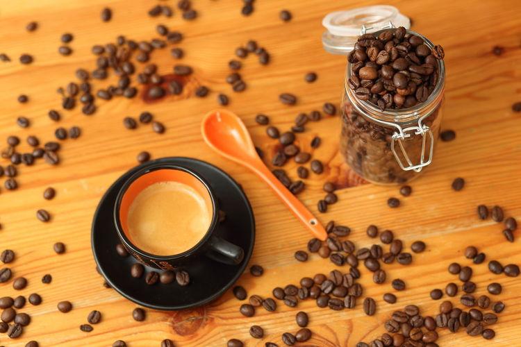 Café Espresso Heißgetränk Cafe Cofee Cofee Time Coffee - Drink Coffee Bean Drink Food And Drink Ground Coffee Kaffee Kaffeebohne Kaffeebohnen Kaffeezeit Löffel Roasted Coffee Bean Tasse EyeEmNewHere