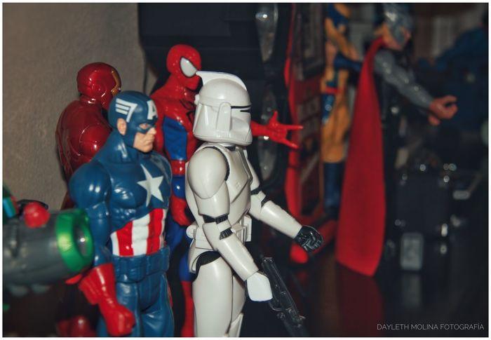 Human Representation Male Likeness Indoors  Figurine  No People Close-up Day Marvel Marvel Comics Starwars Junio Entre puro superhéroe 😎✌️ Bienvenido Junio! 💋