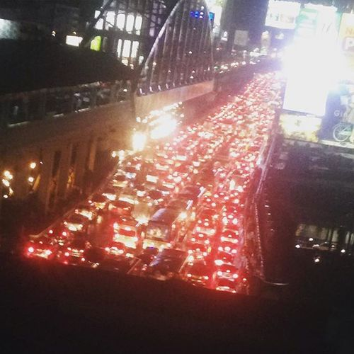 Meanwhile in the Philippines. Traffic can be a freaking tourist spot. StrandedFOREVER I think I already saw forever and it is awesomely awesome af. PostingLikeItsTheEndOfTheWorld