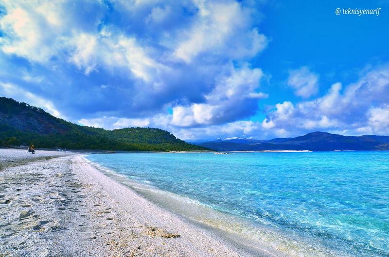 Salda gölü Burdur Yeşilova Türkiye'nin Maldivleri olarak da anılan Burdur'un Salda Gölü, turistlerin yeni gözdesi. Salda Gölü, turkuaz suyu ve beyazkumsallarıyla ziyaretçilerine görsel bir şölen hazırlıyor.👏📷🏊👍🏻❤ 1✪#praglading 2✪#saldagölü 3✪#lake 4✪#Maldivler 5✪#Yeşilova Yesilova Praglading Saldagölü Lake Maldivler