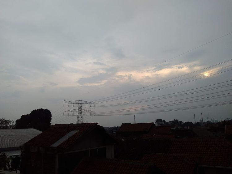 In the roof top, focus to the light Sunset Sky Sky And Clouds Afternoon Sun Light Reflection Taking Photos No Filter West Java  Industrial Area