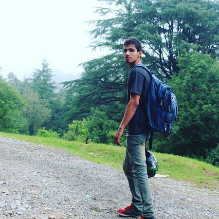 One Person Casual Clothing Real People Outdoors Full Length Young Adult Standing Travel George Everest Nature Makes Me Smile Biketouring Bagpacking Trip Holiday Moments