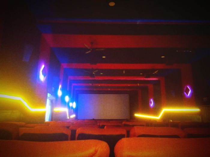 Theater Shankar Raees