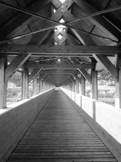 Bridge Streetphotography Walking Around Shades Of Grey